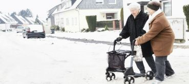 Senior Tips: How to Stay Safe and Warm During Winter
